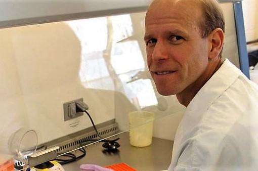 Prof. Scott Weese in his lab